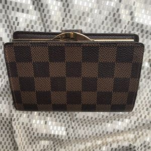 Louis Vuitton Bags - Louis Vuitton Damier Ebene Kisslock Wallet